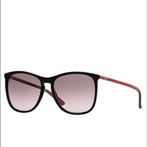 c09aecf9e11 Gucci Accessories - Gucci Sunglasses in Black